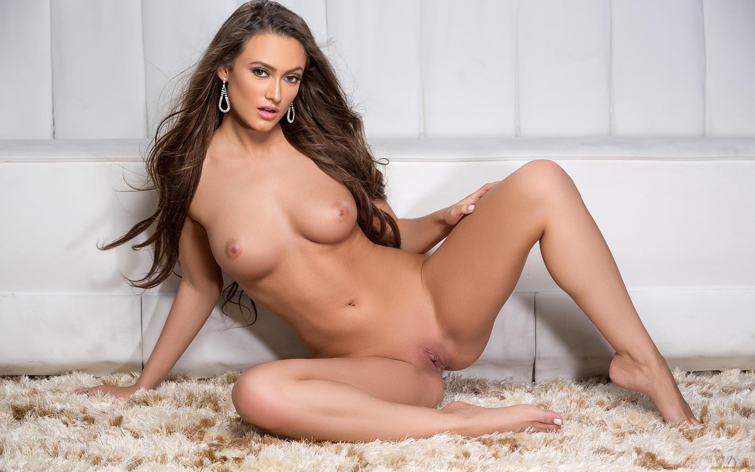 Обнаженные Фотографии Playboy Plus